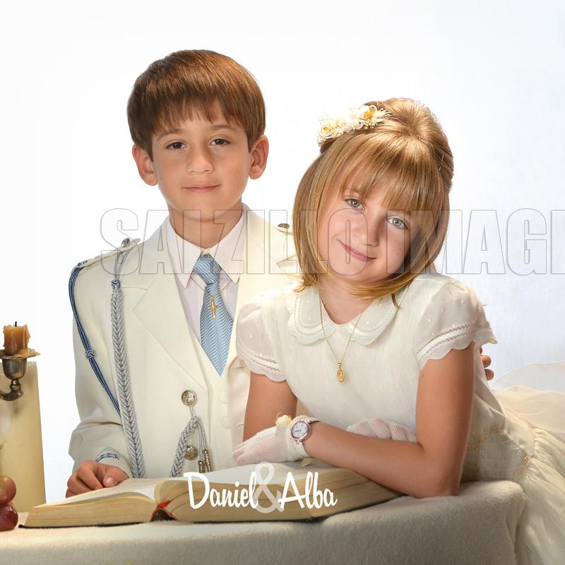Daniel y Alba en sesión de fotografías para album de comunión